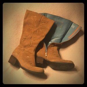 Indigo by Clark's boots